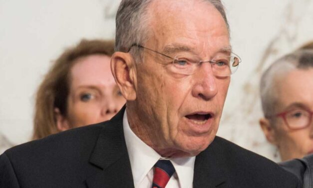 Grassley Pursues Possible Links Between Veterans Administration and Short Sellers